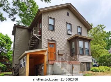 Classic American house in Michigan,USA., Beautiful Houses in suburb Michigan