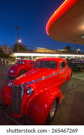 Classic cars and hot rods at 1950's Diner, Bob's Big Boy, Riverside Drive, Burbank, California