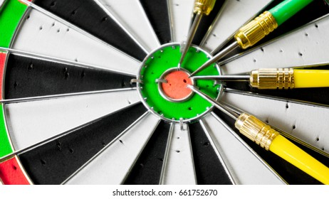 Classic Darts Board With Arrow