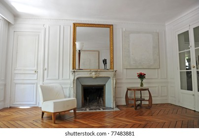 classic living room in a old apartment in Paris