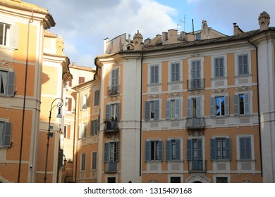 Classic Rome - old style windows