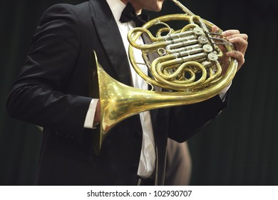 Classical concert music: french horn