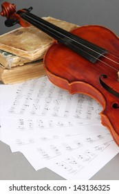 Classical violin on notes