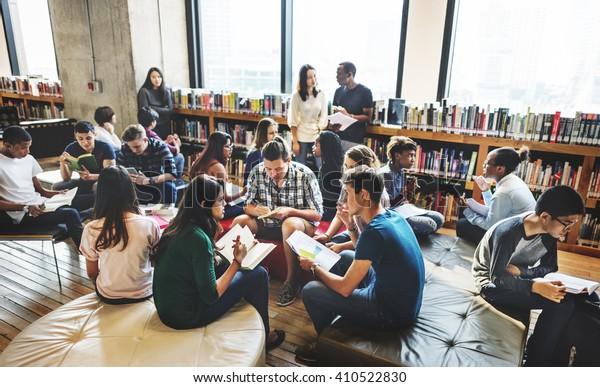 Concept d'ami international pour le partage d'une classe