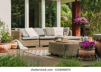 Imágenes Fotos De Stock Y Vectores Sobre Jardinería