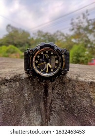classy looks watch is amazing.this is watch of G shock which looks cool and attractive.
