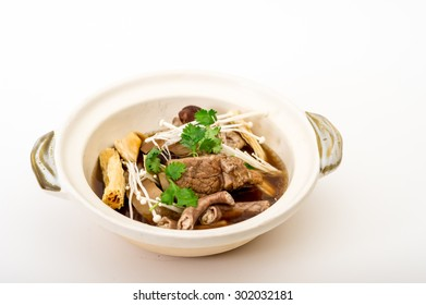 Claypot Cooked Pork Rib Soup With Isolated Background,pork and herbal soup, ba kut teh
