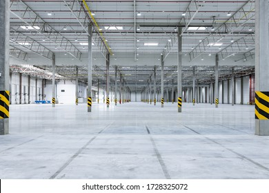 Clean and empty industrial hall in detail for supporting poles