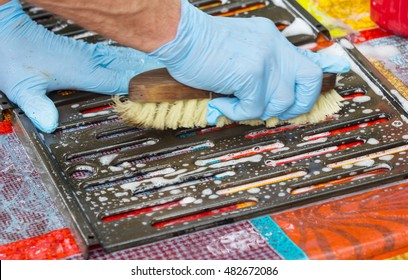 Clean grill pan