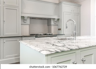 Clean nice kitchen cabinets in an appartment