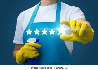 Cleaning lady shows the fifth star on a blue background.