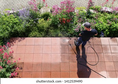 Cleaning stone slabs with the high-pressure cleaner