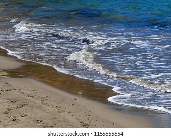 Clear blue sea ocean water over fine sand great summer vacation nature background image