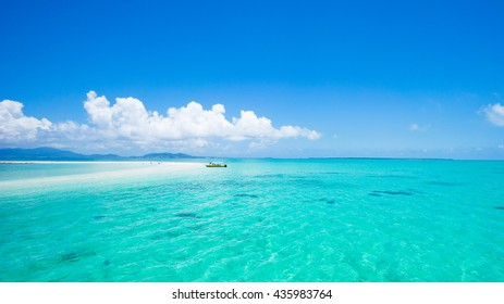 Clear tropical water and coral cay beach, Yaeyama Islands, Okinawa, Japan