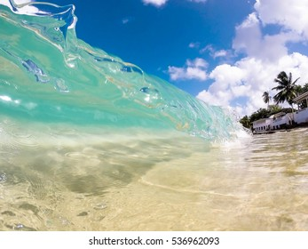 Clear wave in Caribbean