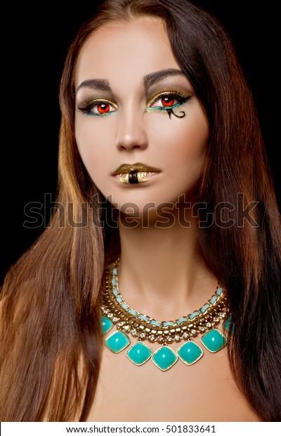 Cleopatra Halloween Makeup Beautiful Egyptian Woman Stockfoto