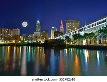 Cleveland Ohio skyline and the Veteran's memorial bridge at night.