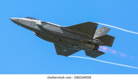 CLEVELAND, OHIO / USA - September 4, 2016: A Lockheed Martin F-35 Lightning II performs at the 2016 Cleveland International Airshow.