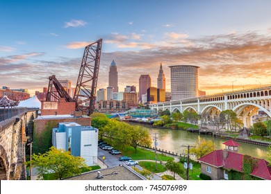 Cleveland, Ohio, USA skyline on the river.