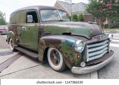 CLEVELAND, TENNESSEE, USA - JULY 28, 2018: Interesting patina on this GMC 100 Panel Truck on display at the MainStreet Cruise-In.