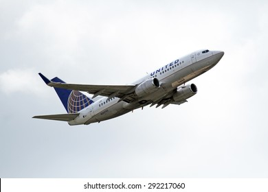CLEVELAND, USA - JUNE 30, 2015: United Airlines Boeing BOEING 737-724 at Cleveland Hopkins International Airport.