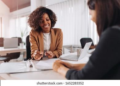 Kundenberatung mit einem Agenten