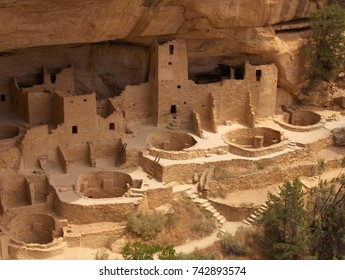 Cliff Palace, View from overlook. Mesa Verde National Park, Colorado. USA