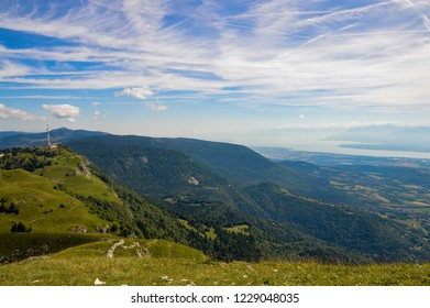 Cliff, valley and a refuge in Jura mountains, France.