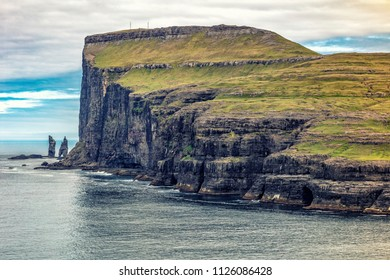 cliff view in faroe islands
