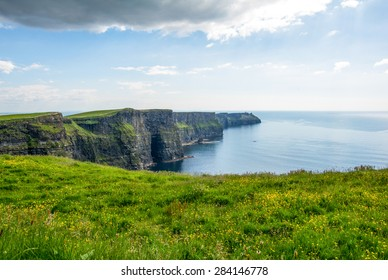 Cliff's of Moher, Ireland wit blue sky