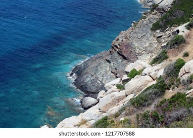 the cliffs on elba