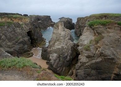 Cliffs of the Côte Sauvage near Quiberon