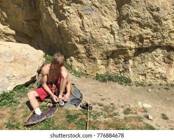 Climber prepares to start