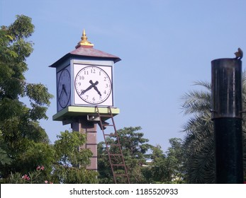 Clock in anna park chennai