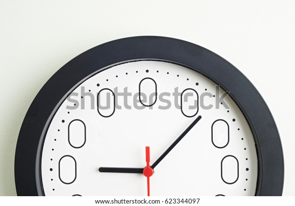Clock Face To Illustrate Concept Of Zero Hour Employment Contracts