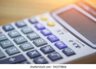 close up button calculator