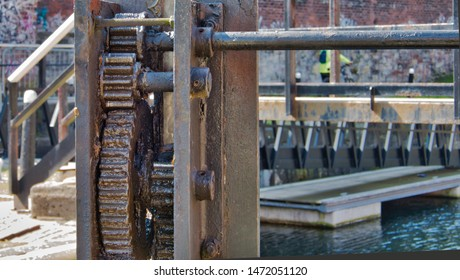 Close up of Cogs and gears with drive shaft to handle to raise and lower lock gate sleuths