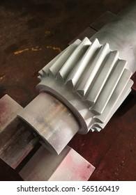 Close up gear shart apply developer for NDT inspection