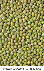 Close up of green peas.