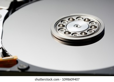 Close up image of a spindle from hard disk drive