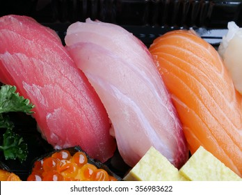 The close up of Japanese delicious sushi in the lunch box set.