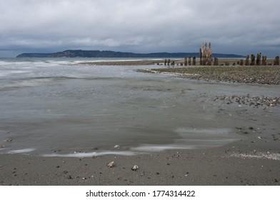 Close long exposure shot of sea and coast in Picnic Point area, WA, USA