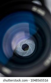 close up macro photo aperture lens