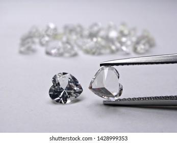 2279ea8da close up natural Ceylon white diamond heart shape cutting for gold jewelry