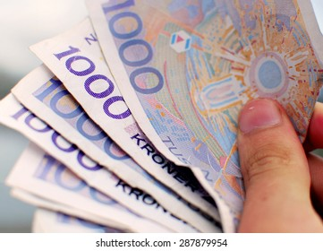 Close Up Of Norwegian Bank Notes - Money Norwegian thousand kroner bills/notes. The 1000 kr bank note is the largest amount of money to be found on paper in Norway.