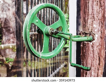 Close up of old rope and pulley shipping, Outdoor view