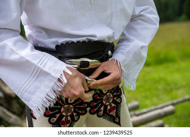 close up on the traditions of highlander clothing, male version