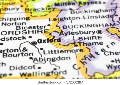 close up of Oxford city on map, of England.
