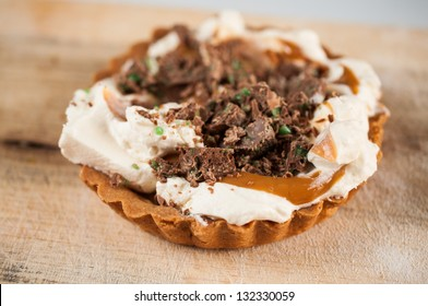 Close up of a Peppermint Crisp Tart