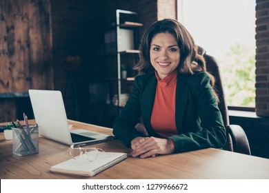 Close up photo of attractive middle-aged she her business lady woman speaker sitting big office chair ready to begin training  wearing formalwear suit